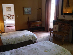 romantic house to rent with wedding venue , accommodation & pool in south west of France