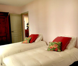 holiday, event & wedding chateau rental in Bordeaux, France