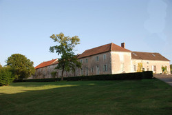 villa for Private Hen party in French Chateau to rent near Bordeaux