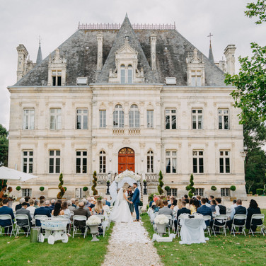 Castle rental around Bordeaux with accomodation