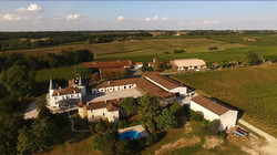 Family villa rental in Bordeaux vineyards  with  pool