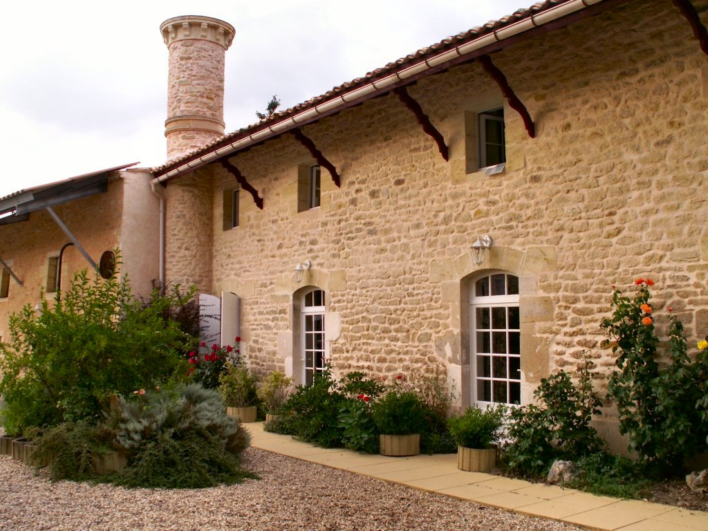 chateau hotel in South of France for dream wedding venue and holidays getaway with spa & pool