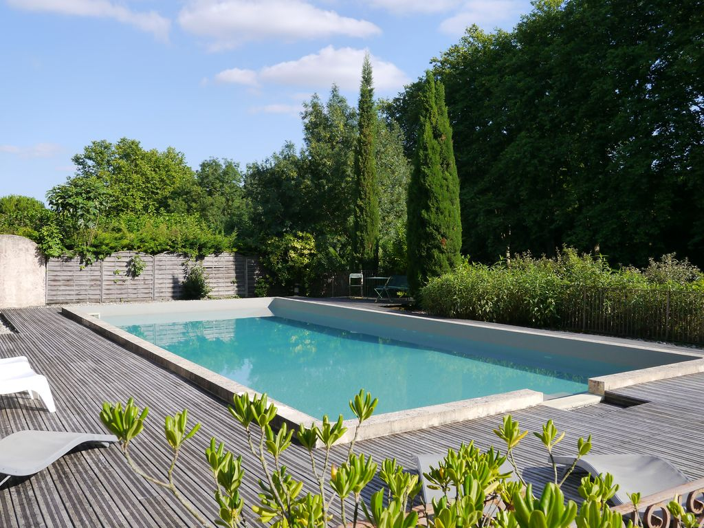 Holiday rental to hire in French chateau with pool and tennis