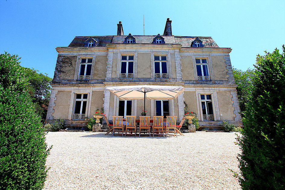 Chateau to rent in Dordogne
