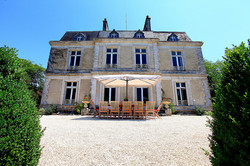 Chateau to rent for Destination wedding with  pool in French Riviera