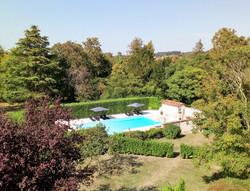 Romantic & exclusif destination wedding venue in French castle to rent around bordeaux