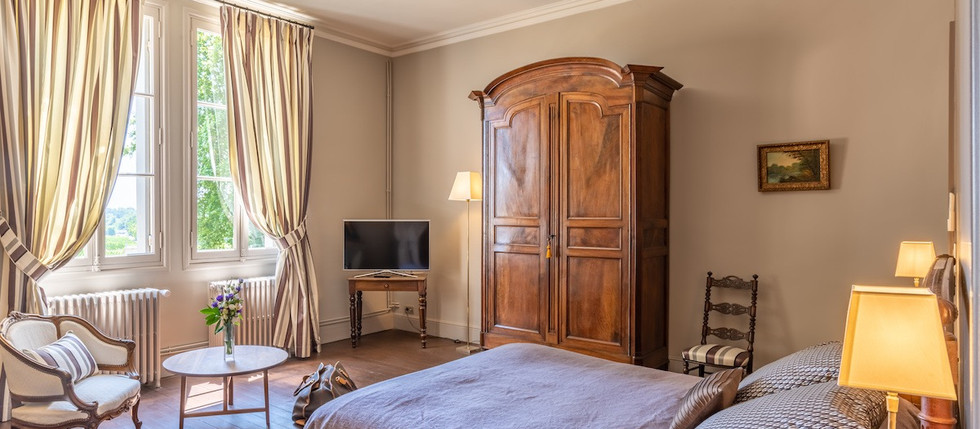 villa to rent in France with accommodation