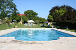 Elegant castle to rent with pool, accommodation & Vineyard view in south of France