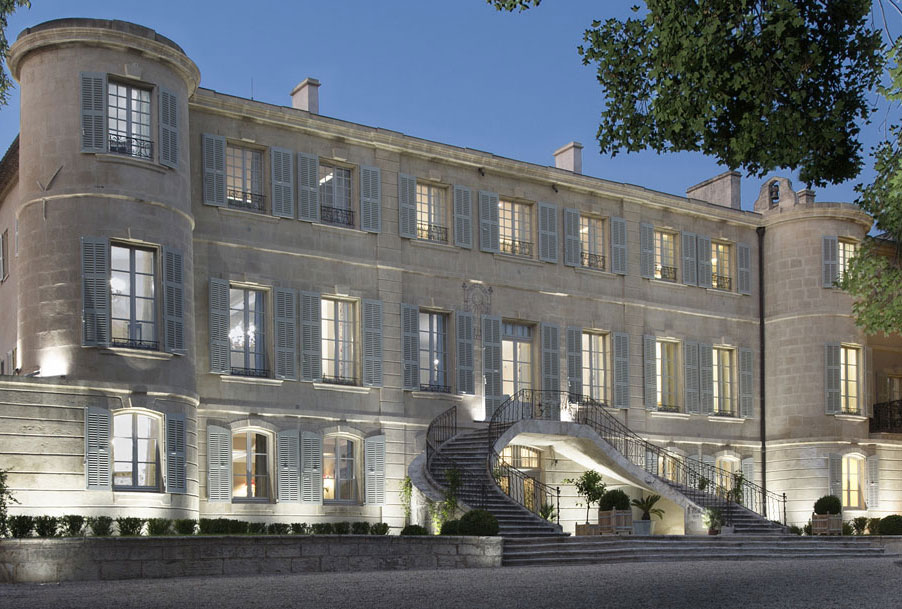 Chateau to rent in South of France