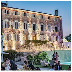 wedding in South of France with chateau , pool & accommodation
