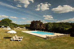 Luxury castle to rent with pool, accommodation & Vineyard view in Bordeaux