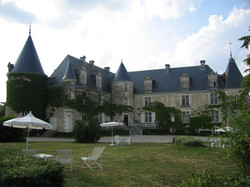 Castle to rent for corporate trip in Bordeaux