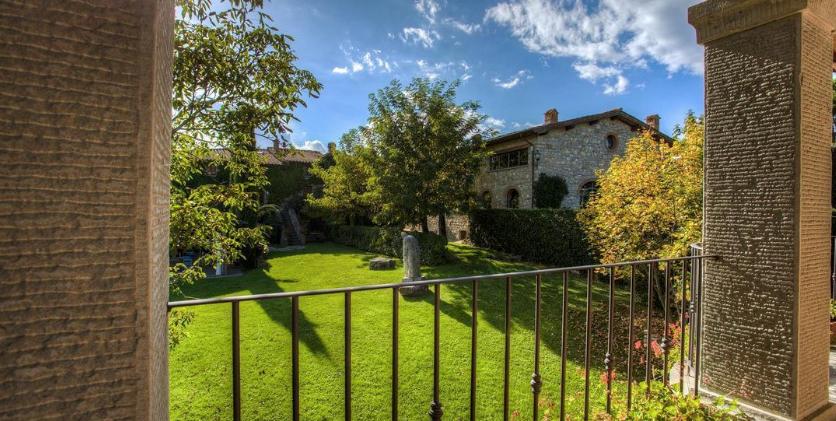 Italian holday rental and wedding venue