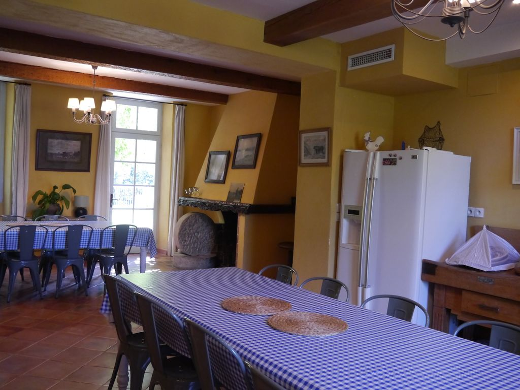 French castel to rent for family holiday in South of France
