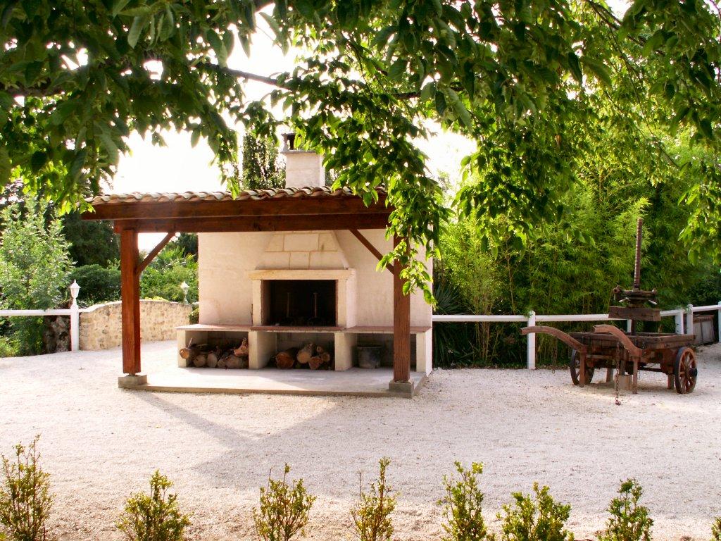 romantic week-end getaway in France with wine tasting tours