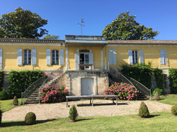 holiday rental villa in south of France with pool & accommodation