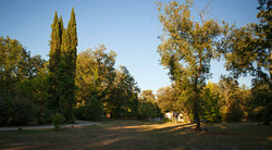 Romantic wedding venue in South of France, near Cannes, with accommodation and pool