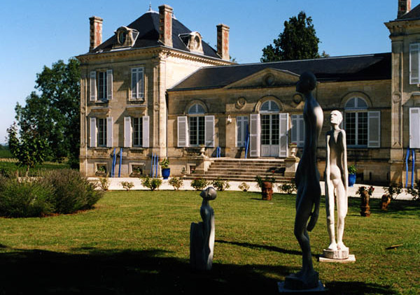 Chateau to rent with pool for wedding venue in France