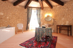 French chateau to rent for summer holiday in Bordeaux