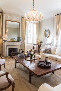 family holiday rental in a French chateau near Bordeaux with pool