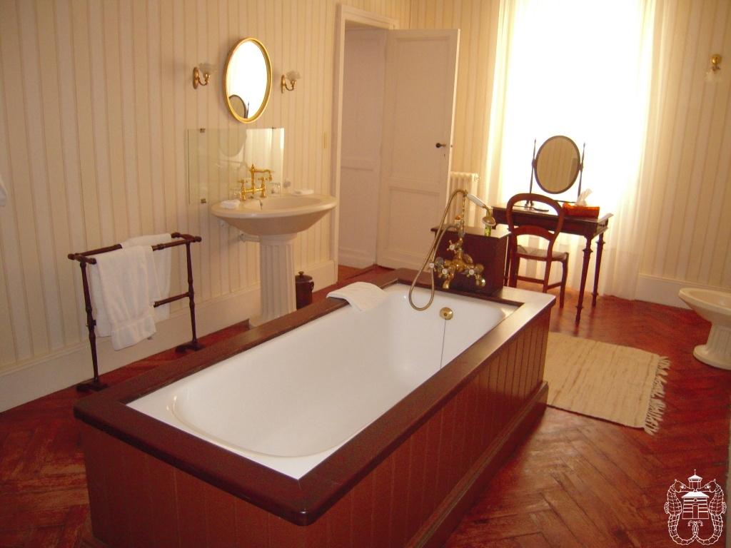 bathroom chateau france