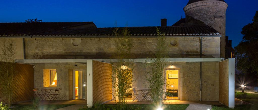 Bordeaux wedding venue with Accommodation & Pool