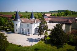 Friends trip destination in a chateau to rent near Bordeaux