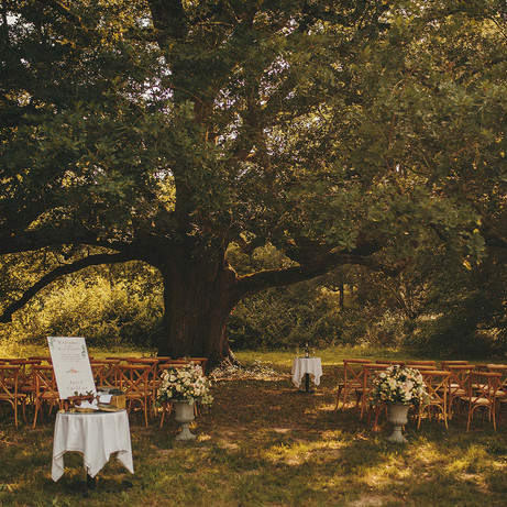 romantic destination wedding venue with accomodation & pool to rent in south of france