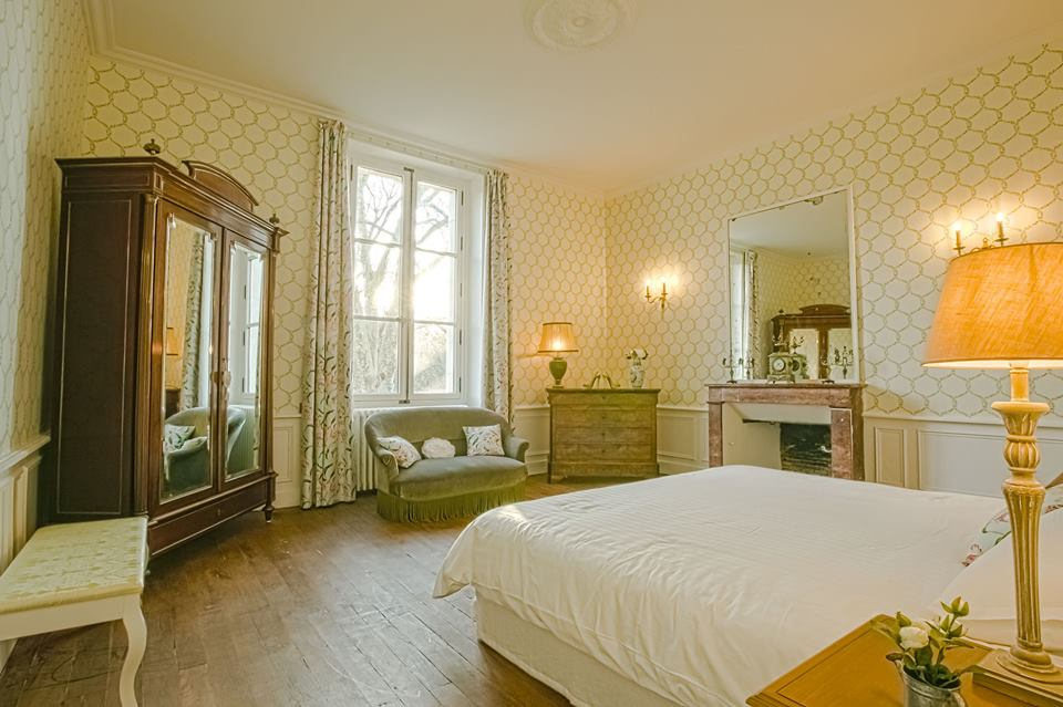 exclusif holiday to rent in French castle around bordeaux