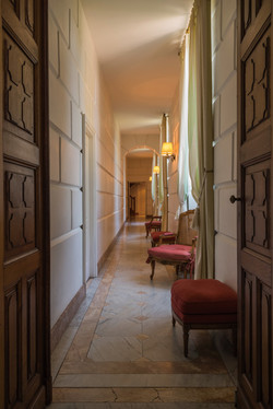 Vineyard Castle hotel to hire for wedding & events in France , near bordeaux