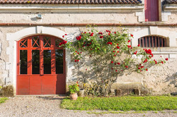 castle party to rent with accommodation & pool around bordeaux