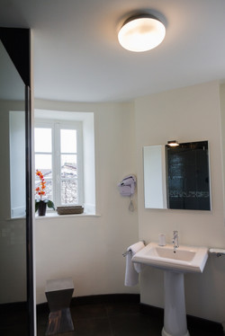 Honeymoon & wedding venue  destination to rent in Bordeaux with accommodations
