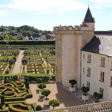 Castle to rent around Bordeaux with pool