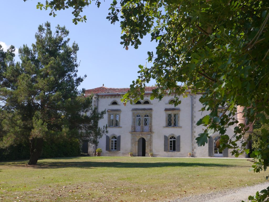 French chateau in the south west of France to rent