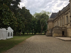 chateau with pool & accommodation for destination wedding venue in Bordeaux
