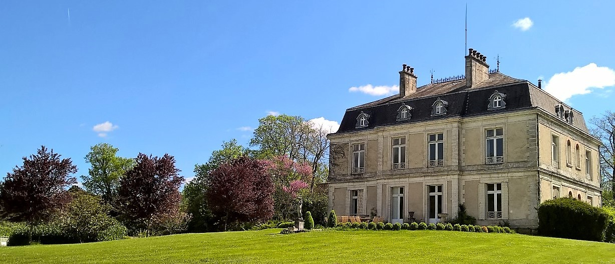 exclusif Chateau to rent in Dordogne
