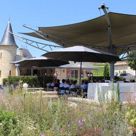 Chateau to rent next to Bordeaux