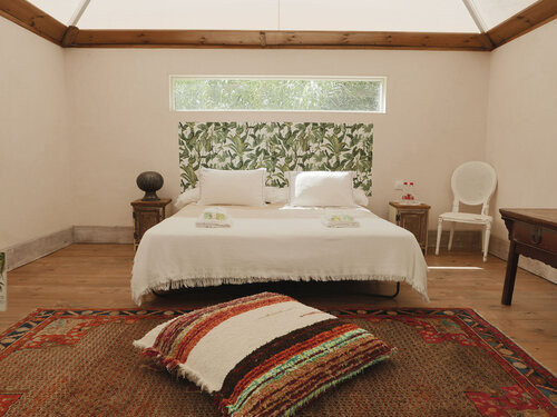 romantic wedding venue with spa and glamping tent in andalucia