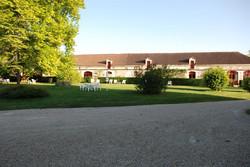 chateau to rent near bordeaux