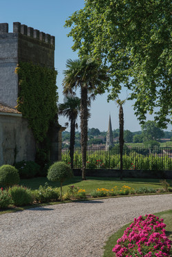French chateau for wedding hire Near Bordeaux , South West France