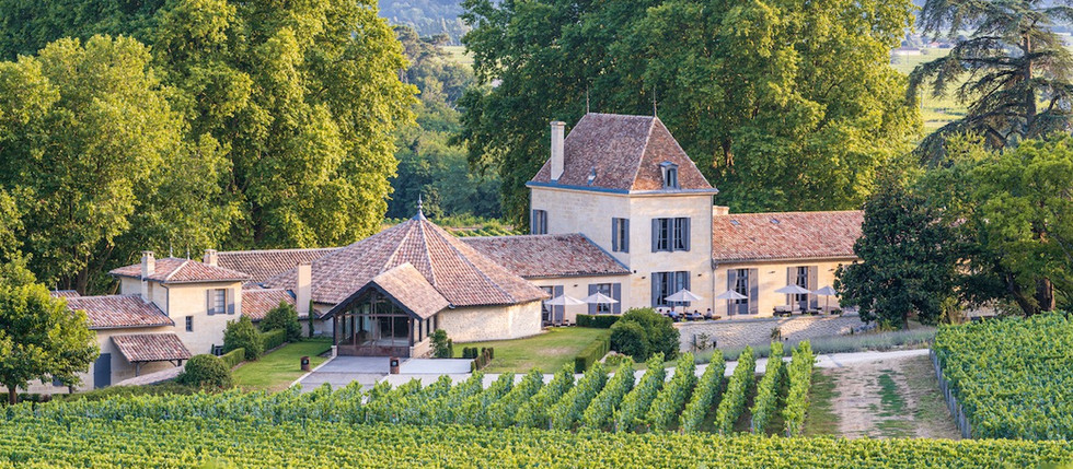 chateau villa to rent in french vineyards near Bordeaux