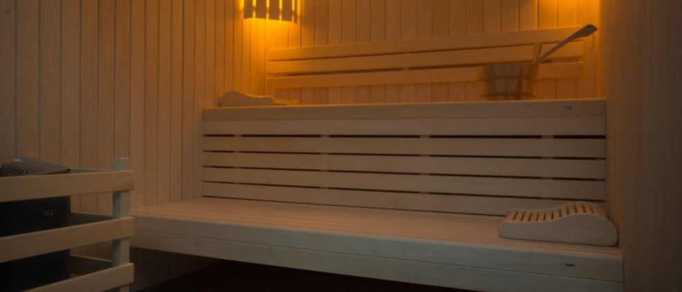 Dordogne wedding venue with pool & accommodation