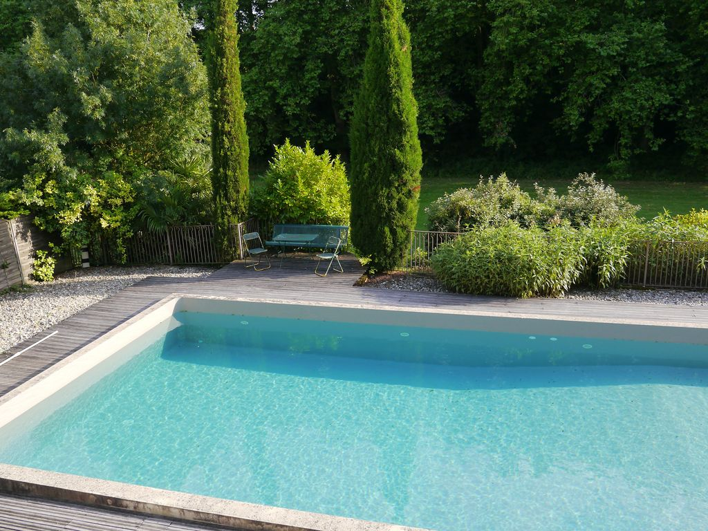 Rent an elegant chateau near Carcassone