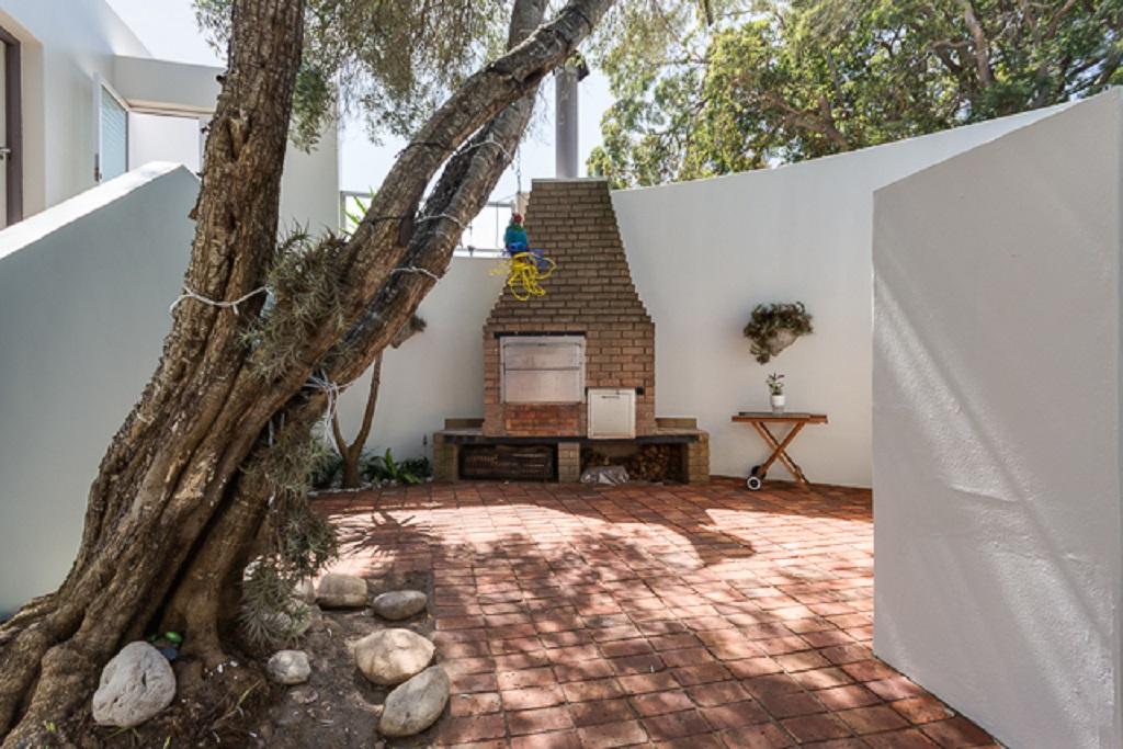 Vila to rent in Brenton-on-sea