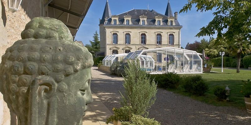 castle to rent for holiday rental & wedding venues around vineyards in Bordeaux & Blaye