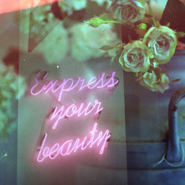 Express your beaty.jpg