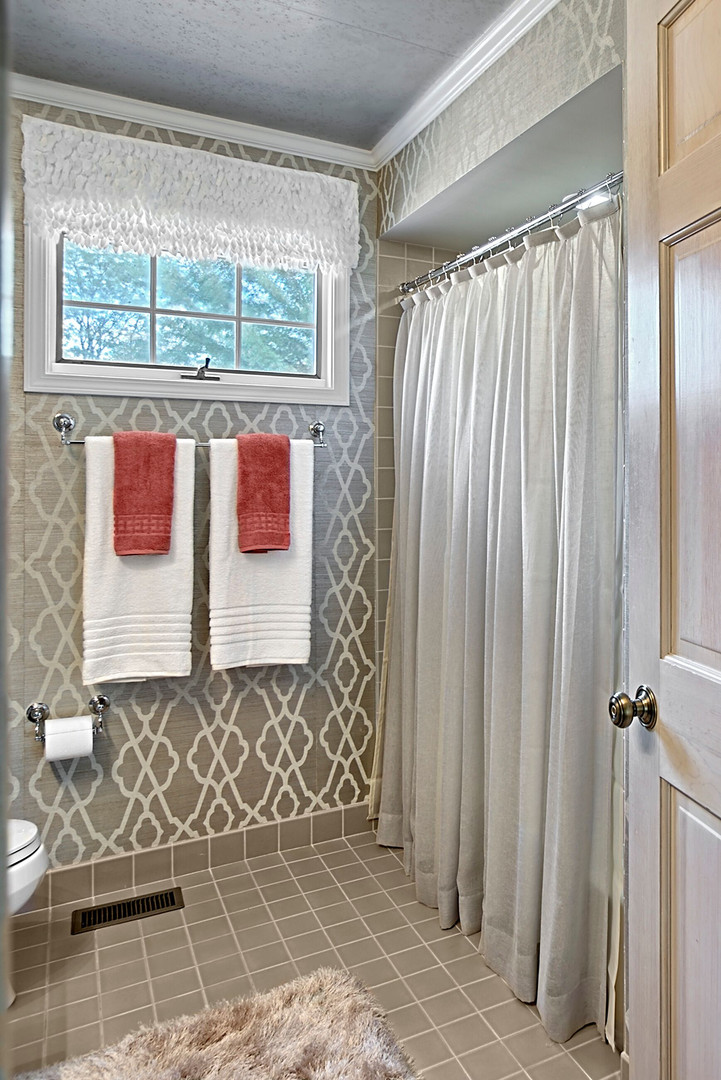 Glamorous North Shore Bathroom