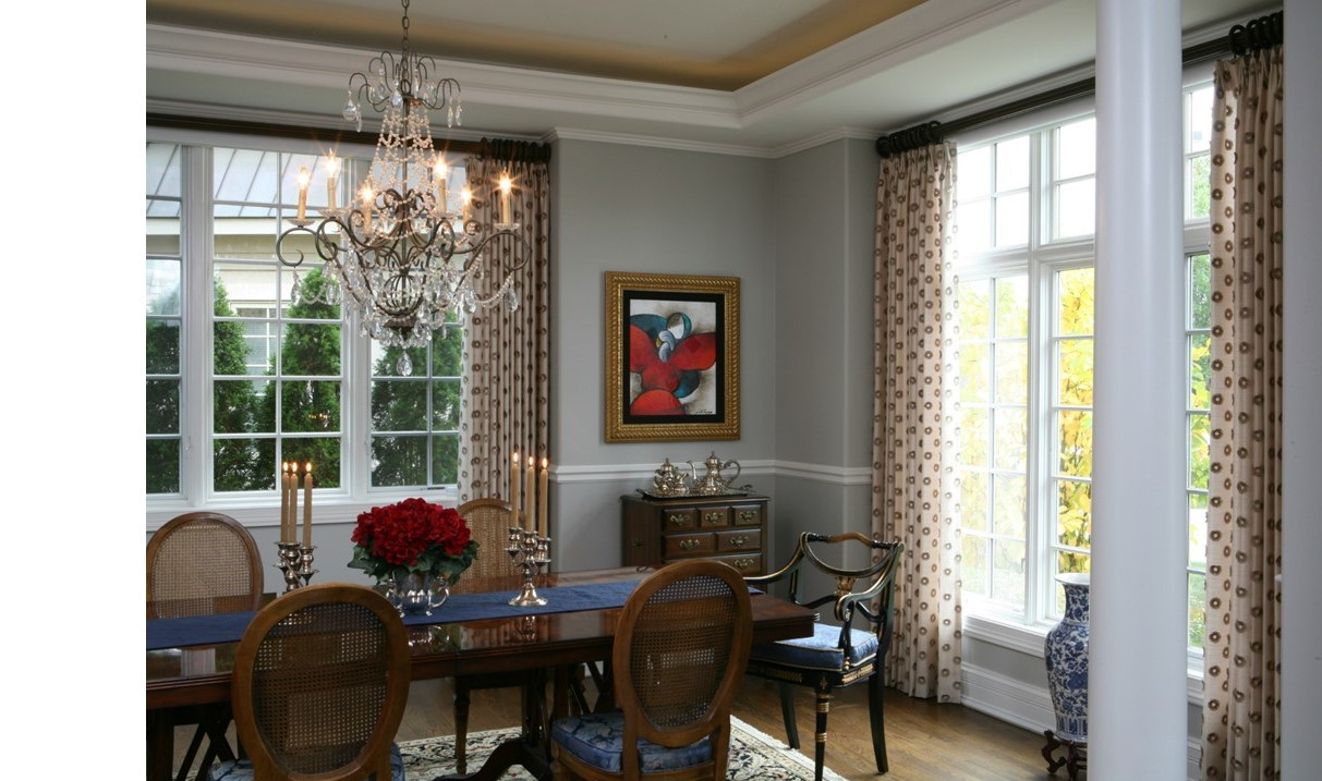 This Dining Room is a Fresh Take on Traditional