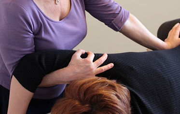 massage habillé sur table