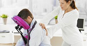 Massage assis en entreprise Lyon